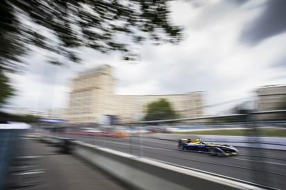 Prost en la pole para la primera carrera en Londres