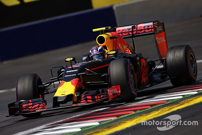 Verstappen responde a los aficionados críticos