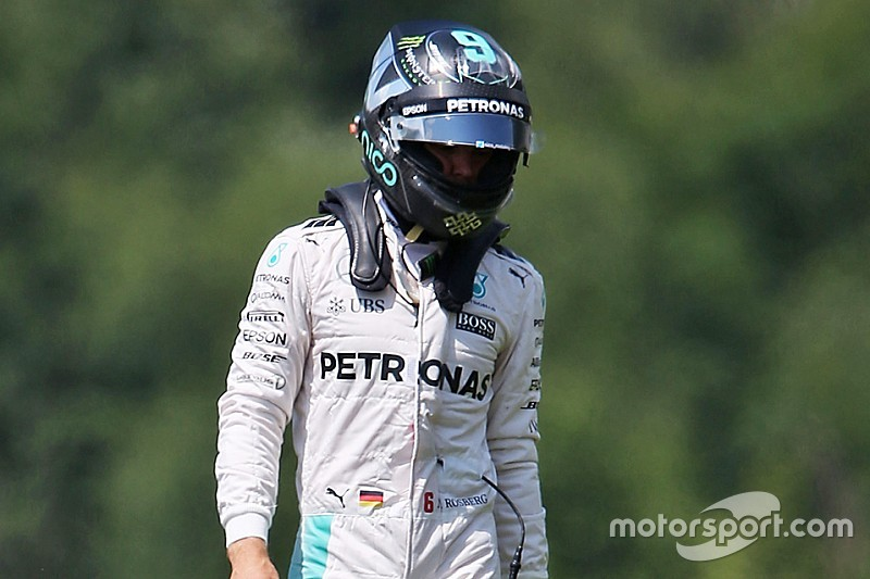 Rosberg pénalisé pour l'accrochage avec Hamilton