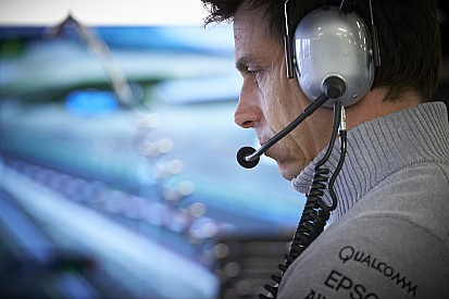 Consignes d'équipe - Mercedes promet la transparence