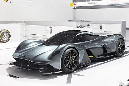 Erste Fotos: Der neue Aston Martin AM-RB 001