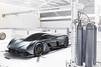 Aston Martin revela carro criado por Newey; veja imagens
