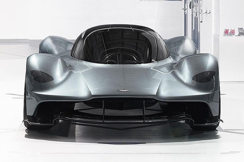 معرض صور: سيارة أستون مارتن من تصميم أدريان نيوي