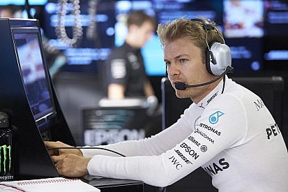 Rosberg, Mercedes'in yeni kurallarını kabullendi