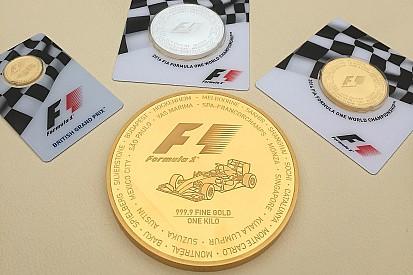 La F1 lanza monedas de oro con valor de 40.000 dólares