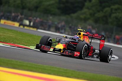 Verstappen cree que Red Bull es el rival más cercano a Mercedes