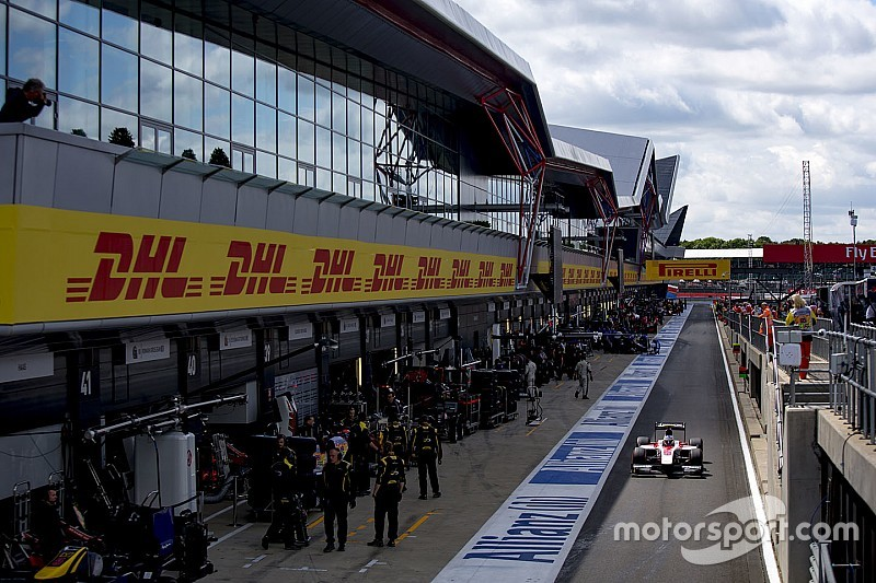 Sirotkin GP2'nin ilk yarışına pit yolundan başlayacak