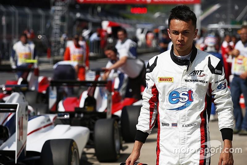 GP3 Silverstone: Leclerc heeft dubbel pech, Albon pakt eerste pole