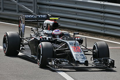 Button éliminé en Q1 à cause d'un aileron arrière endommagé