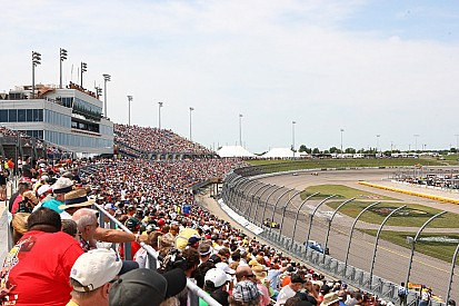 Iowa Speedway extends IndyCar and sponsor contract