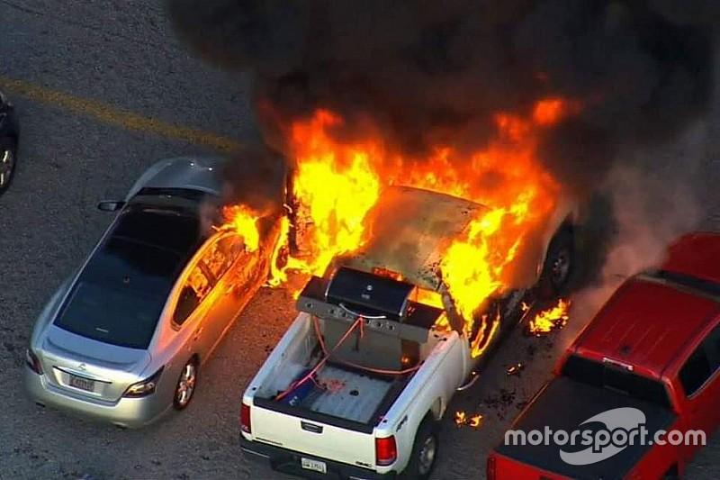 Fire breaks out in Kentucky Speedway parking lot during race