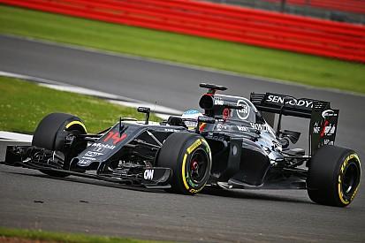 Alonso termina al frente en el primer día de tests en Silverstone