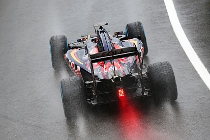 Topshots: Eerste F1-testdag op Silverstone met halo en nieuwe gezichten