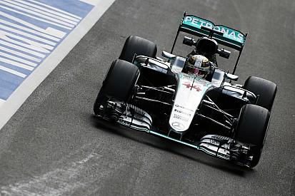 Mercedes elegirá el momento de recibir la sanción a Hamilton por el uso de motores