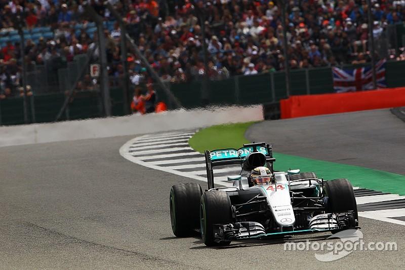 """Mercedes: """"Komende twee races bepalend voor motorwissel Hamilton"""""""
