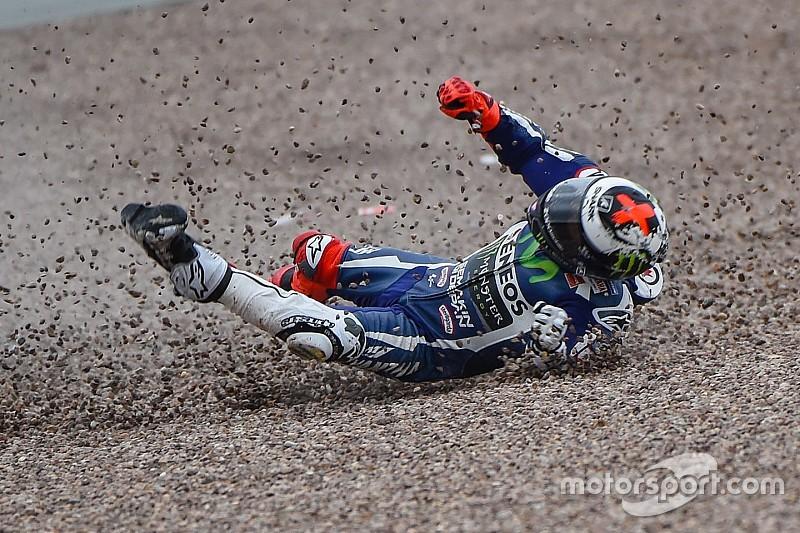 Galería de fotos: Lorenzo sufrió un esguince leve y un golpe en la mano