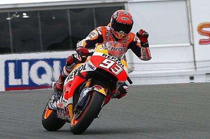 Marquez in pole al Sachsenring, ma Valentino è in prima fila