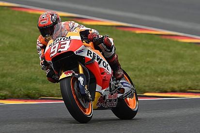 Motor waarmee Marquez won in recordtijd hersteld na crash in warm-up