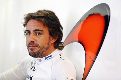 Alonso insiste que meta da McLaren no próximo ano é o título