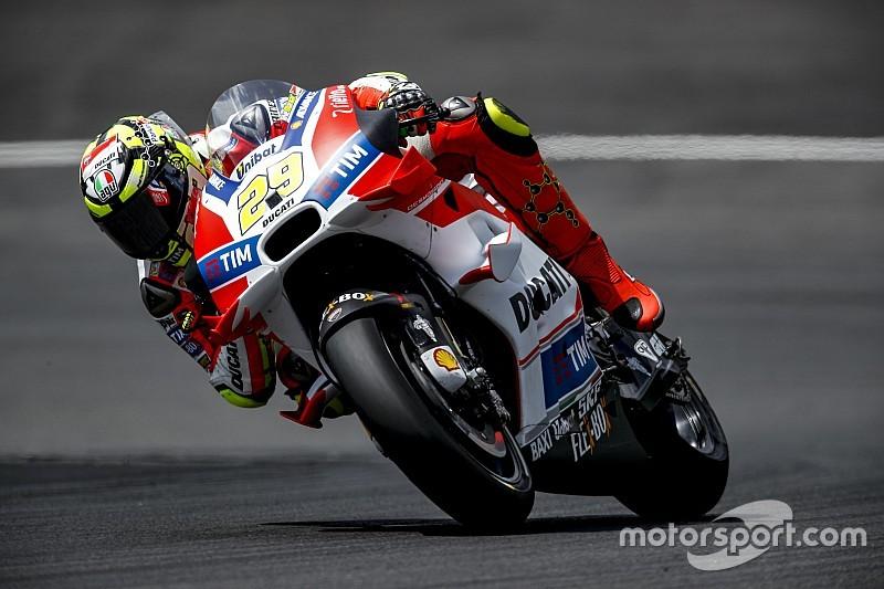 Iannone testlerin son gününde lider, Ducati ilk dörtte