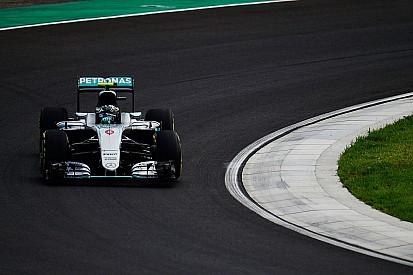 Rosberg lideró la segunda sesión tras accidente de Hamilton