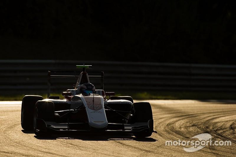 GP3 Hongarije: Imponerende pole voor Nyck de Vries