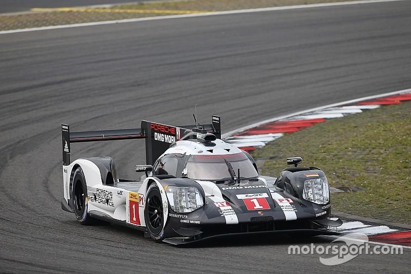 Porsche al frente en la tercera sesión de libres