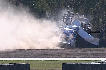 Heftiger Crash im Training der Supercars in Ipswich