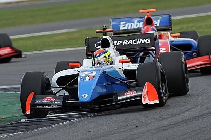 F3.5 Silverstone: Vaxivière op pole, Visser dertiende