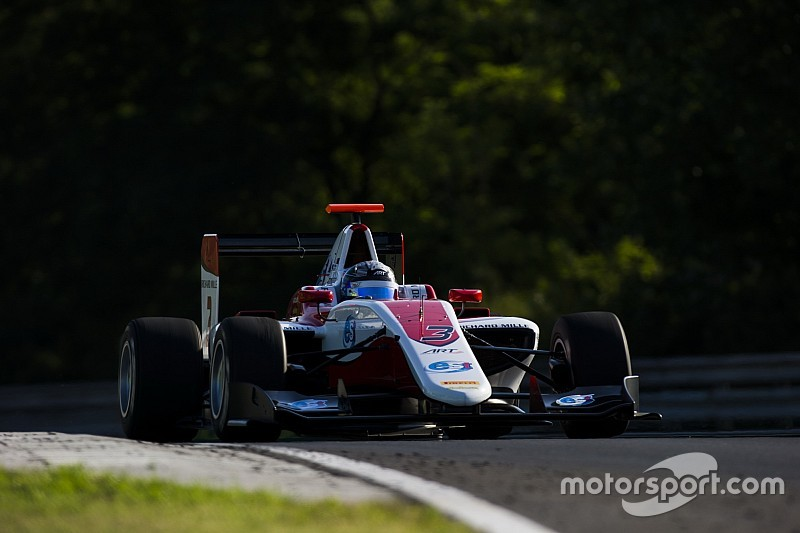 GP3: Albon wint zondagrace en neemt leiding in titelstrijd over