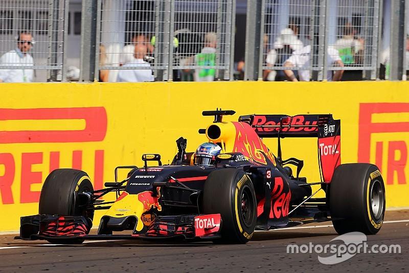 "Ricciardo: ""Me costó mucho contener a Vettel"""