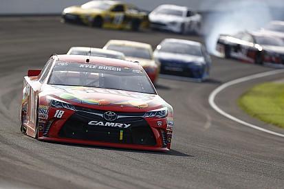Kyle Busch dominiert Brickyard 400 und schreibt NASCAR-Geschichte