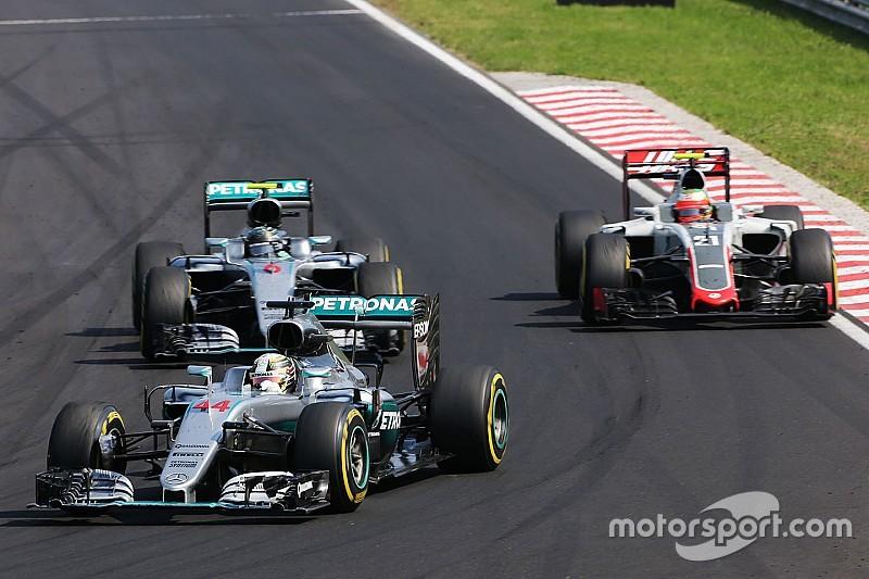 Esteban Gutierrez wütend auf Lewis Hamilton wegen Stinkefinger