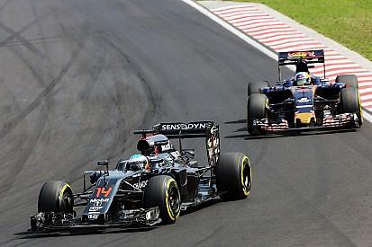 """El desarrollo de McLaren es """"preocupante"""", dice Sainz"""