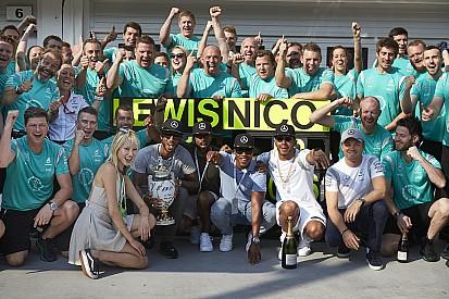 Mercedes, la gloria en sus manos