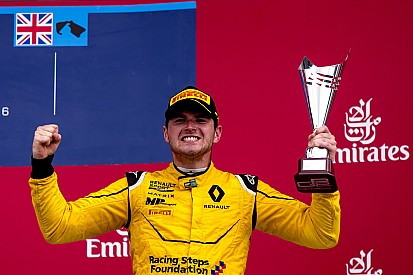 Rowland estime être un meilleur candidat qu'Ocon pour Renault
