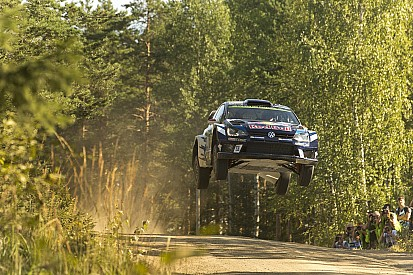 Finlandia, PS6: Latvala vince la speciale, Meeke regge in testa