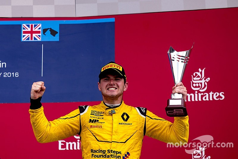 Роуленд оценивает свои шансы попасть в Renault выше, чем у Сироткина