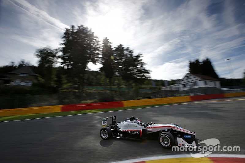 F3 Spa: Russell domineert droge tweede race