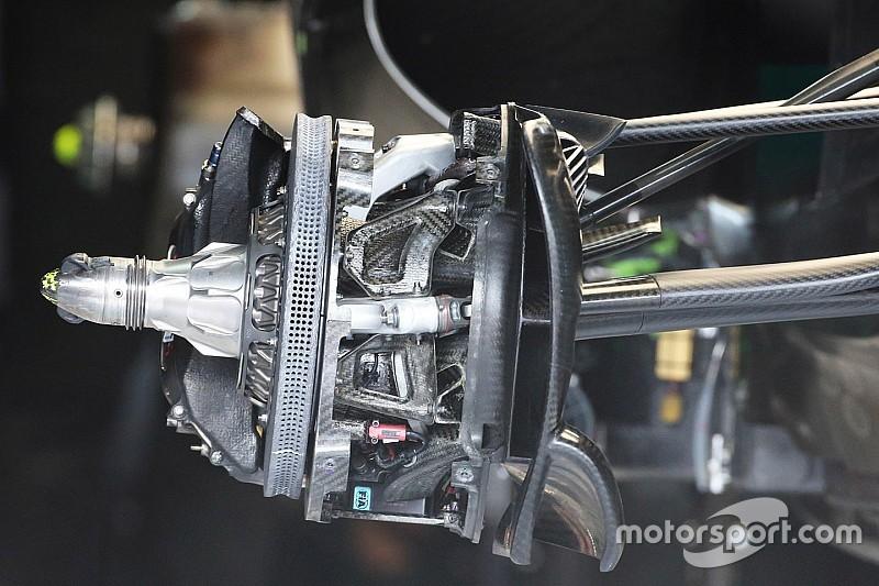 """Технический анализ: в Mercedes придумали """"вогнутые"""" тормозные диски"""