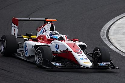 Albon bate a Leclerc y consigue la pole