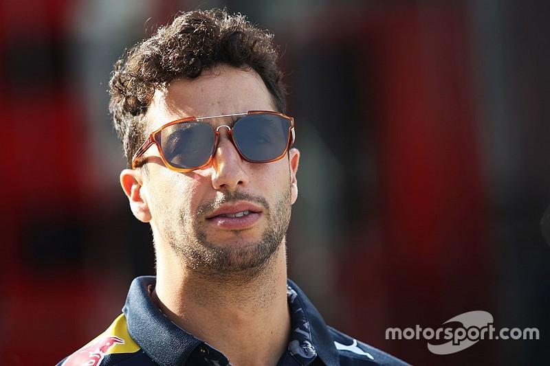 Риккардо рассчитывает оказать давление на Mercedes в гонке