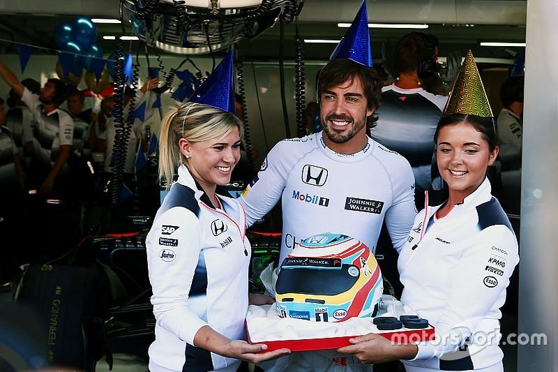 Vídeo: una felicitación especial para Alonso