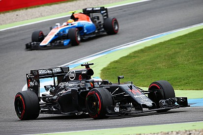 Alonso, telsiz mesajları seçimlerinden bıkmış