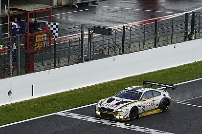 Spa 24 Saat: BMW yağmurda ayakta kalarak kazandı