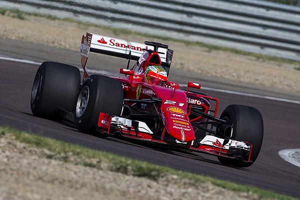 Formula 1 Fotogallery: ecco Gutierrez sulla SF15-T XL con le Pirelli larghe
