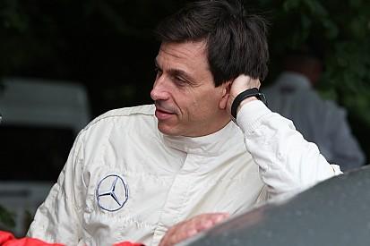 """Wolff: """"La Ferrari è in difficoltà, ma nel 2017 non li sottovaluteremo"""""""