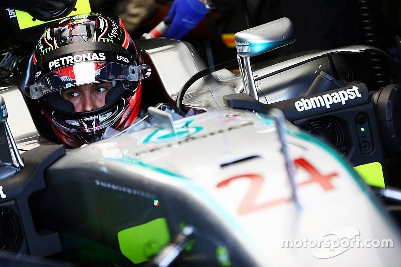 """Chefe da Mercedes diz que Manor é """"ambiente certo"""" para Ocon"""