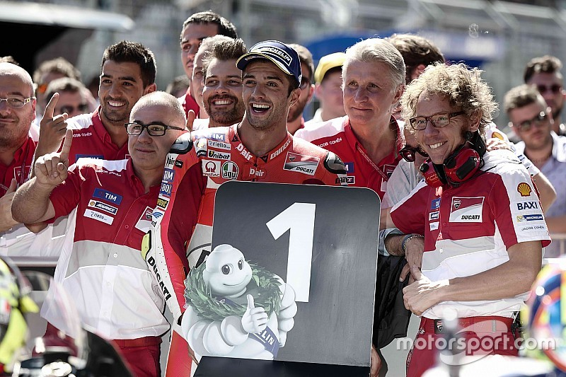 Iannone pakt pole in Oostenrijk, Yamaha geeft flink partij
