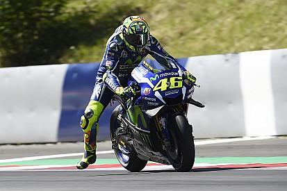 """Rossi lamenta e diz que teria que """"arriscar muito"""" por pódio"""
